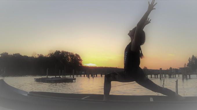 yoga yogamonie medical regensburg heilung therapie kurs klassen anasura yin yoga yogastunden